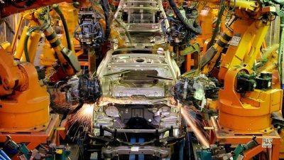 962391-120114-auto-industry
